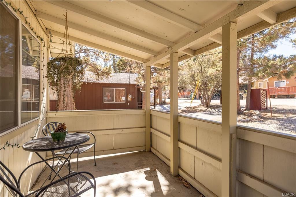 Photo of 517 Moreno Lane, Sugarloaf, CA 92386 (MLS # 32101400)