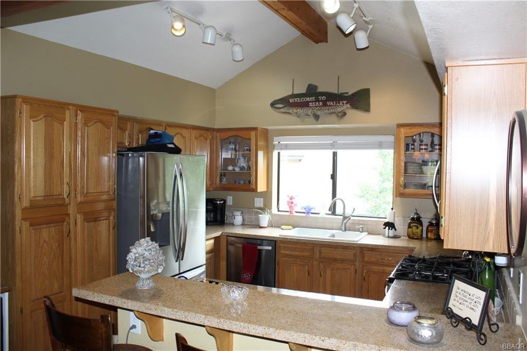Photo of 43095 Deer Run Court #43095, Big Bear Lake, CA 92315 (MLS # 32105400)