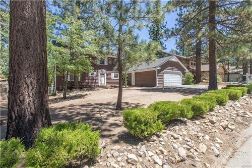Photo of 41576 Mockingbird Drive, Big Bear Lake, CA 92315 (MLS # 32002404)