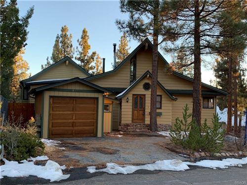 Photo of 896 Panamint Mountain Drive, Big Bear City, CA 92314 (MLS # 32006417)