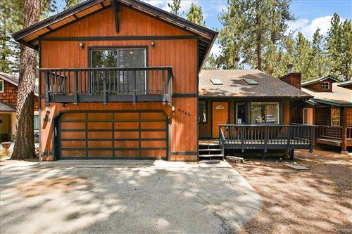 Photo of 41566 McWhinney Lane, Big Bear Lake, CA 92315 (MLS # 32105417)