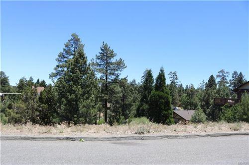 Photo of 212 Mann Drive, Big Bear City, CA 92314 (MLS # 32105420)