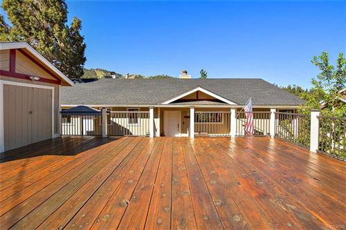 Photo of 1212 Siskyou Drive, Big Bear Lake, CA 92315 (MLS # 32002427)
