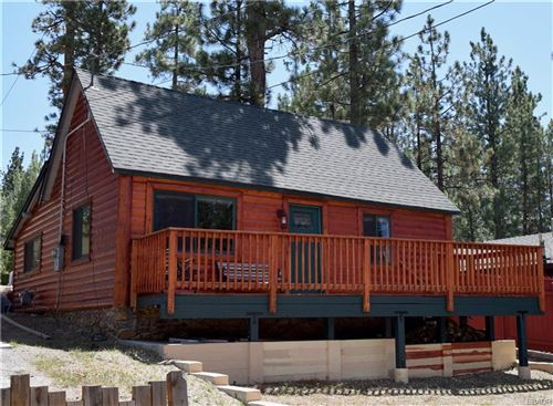 Photo of 40021 Glenview Road, Big Bear Lake, CA 92315 (MLS # 32002429)