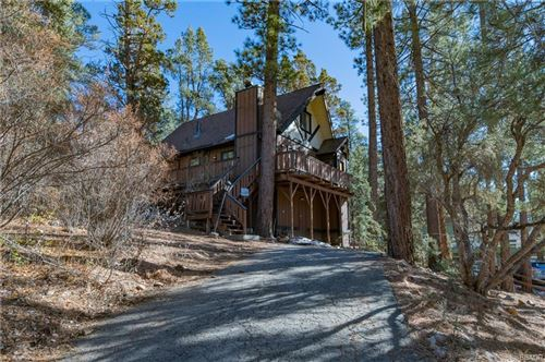 Photo of 912 Bear Mountain Road, Big Bear City, CA 92314 (MLS # 32006432)