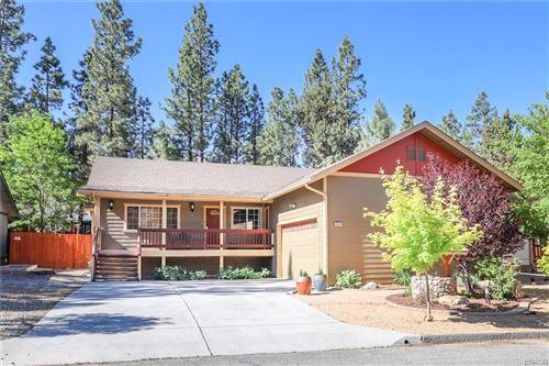 Photo of 518 E Fairway Boulevard, Big Bear City, CA 92314 (MLS # 32105443)