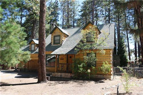 Photo of 575 Timber Lane, Big Bear Lake, CA 92315 (MLS # 32002445)