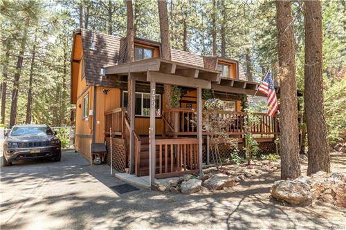 Photo of 739 Eureka Drive, Big Bear Lake, CA 92315 (MLS # 32105447)