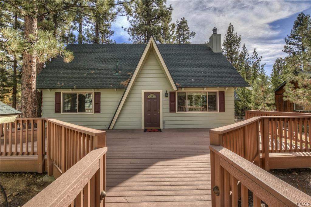 Photo of 42685 Juniper Drive, Big Bear Lake, CA 92315 (MLS # 32000458)