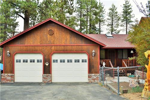 Photo of 705 Barrett Way, Big Bear Lake, CA 92315 (MLS # 32105463)