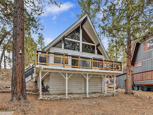 Photo of 1140 Alta Vista Avenue, Big Bear Lake, CA 92315 (MLS # 32006469)
