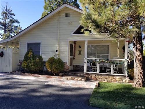Photo of 410 Vista Lane, Big Bear Lake, CA 92315 (MLS # 32006473)