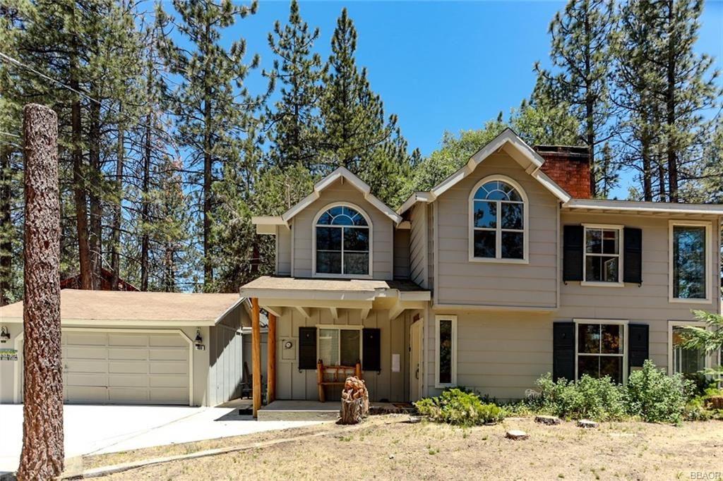 Photo of 469 Santa Clara Boulevard, Big Bear Lake, CA 92315 (MLS # 31911481)