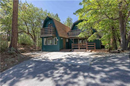 Photo of 42598 Alta Vista Avenue, Big Bear Lake, CA 92315 (MLS # 32105482)