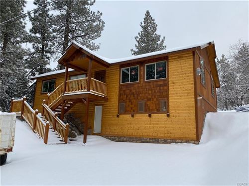 Photo of 315 Northern Cross Drive, Big Bear Lake, CA 92315 (MLS # 32006492)