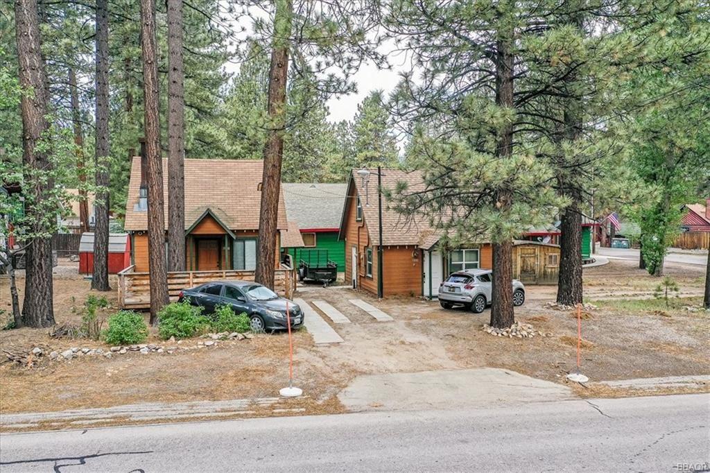 Photo of 580 Thrush Drive, Big Bear Lake, CA 92315 (MLS # 32105495)