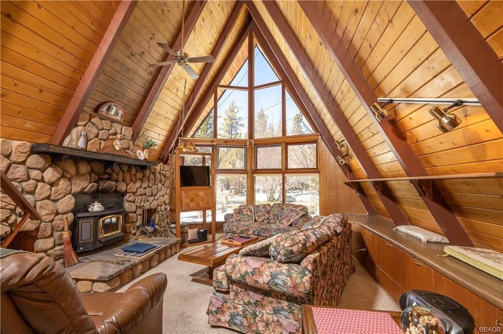 Photo of 43099 Moonridge Road, Big Bear Lake, CA 92315 (MLS # 32101508)