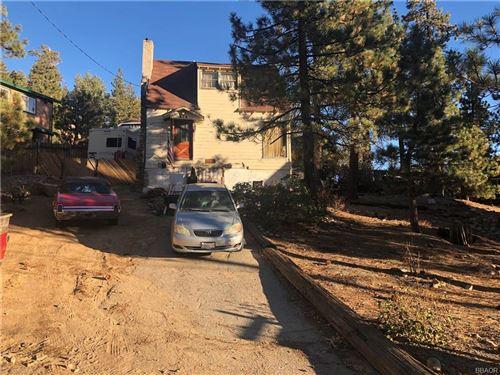 Photo of 679 Catbird Lane, Big Bear Lake, CA 92315 (MLS # 32006513)