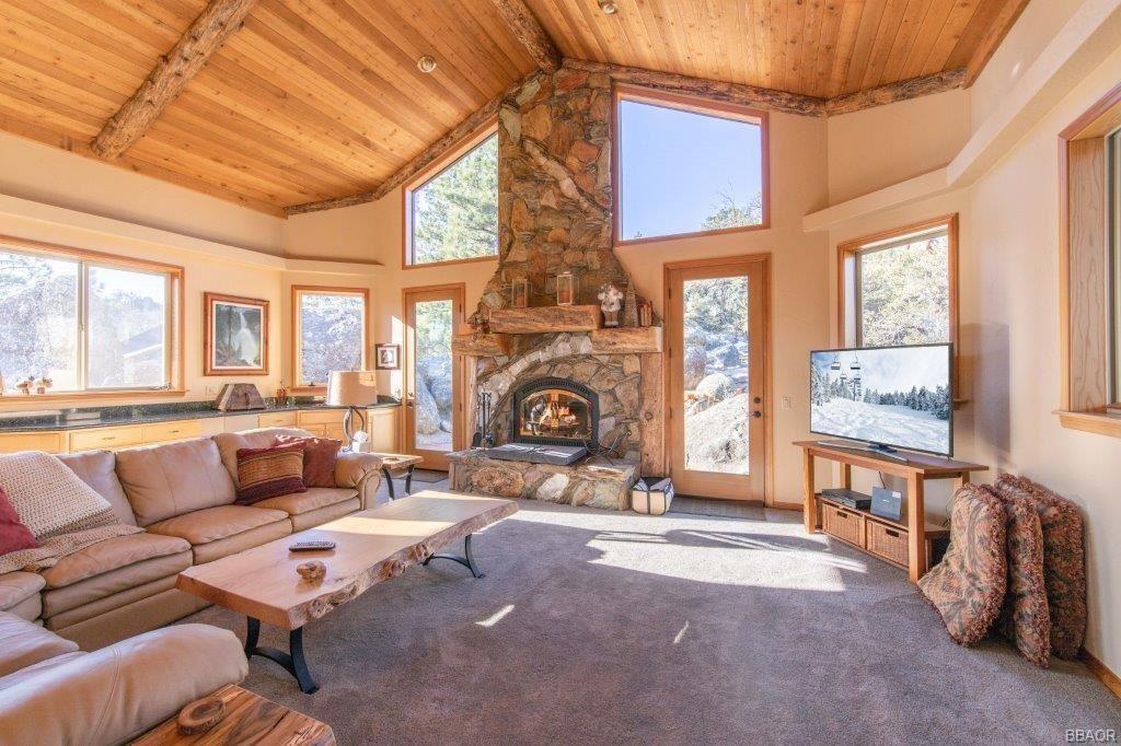 Photo of 42848 Eagle Flight Place, Big Bear Lake, CA 92315 (MLS # 31912515)