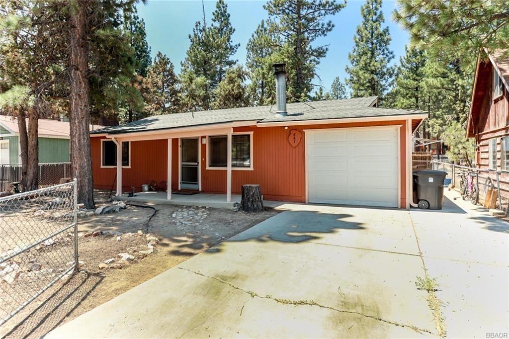 Photo of 867 D Lane, Big Bear City, CA 92314 (MLS # 32002515)