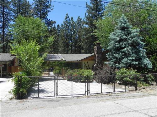 Photo of 410 Oriole Drive, Big Bear Lake, CA 92315 (MLS # 32105543)
