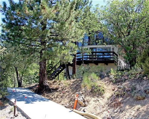Photo of 43644 Yosemite Drive, Big Bear Lake, CA 92315 (MLS # 32106544)
