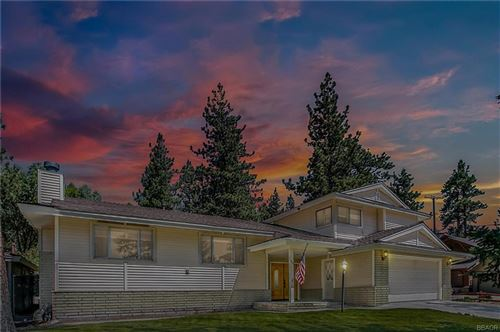Photo of 279 Bluebird Court, Big Bear Lake, CA 92315 (MLS # 31906545)