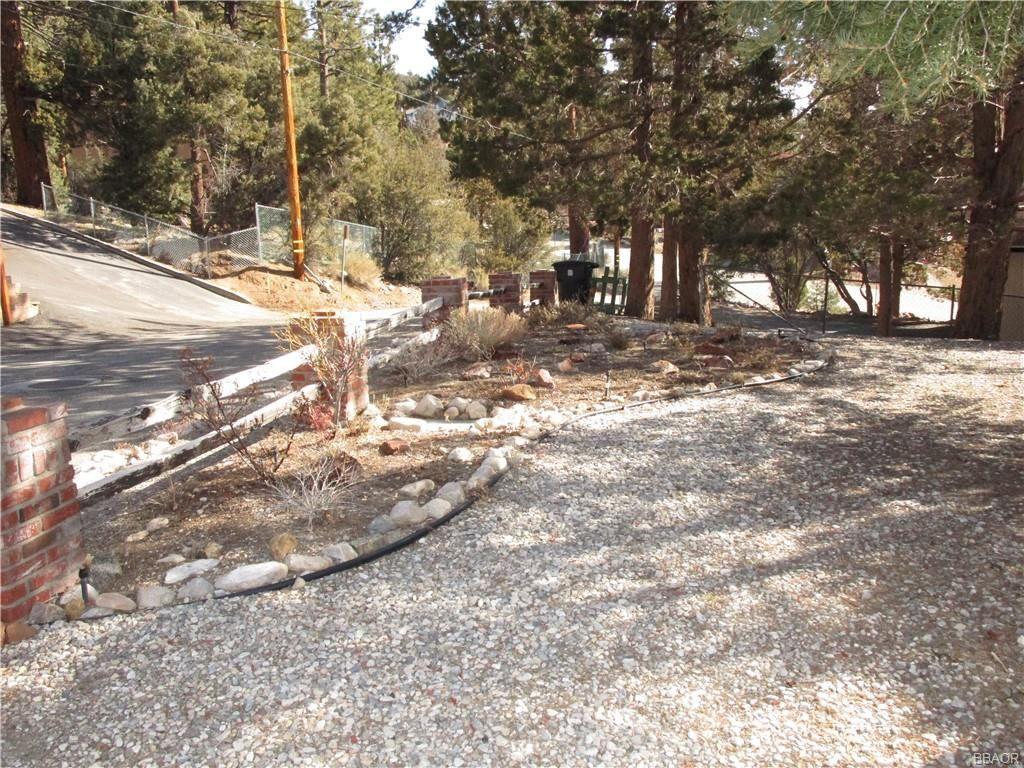 Photo of 1112 Mount Whitney Drive, Big Bear City, CA 92314 (MLS # 32101547)