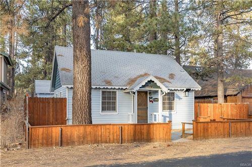 Photo of 39220 Peak Lane, Big Bear Lake, CA 92315 (MLS # 32007553)