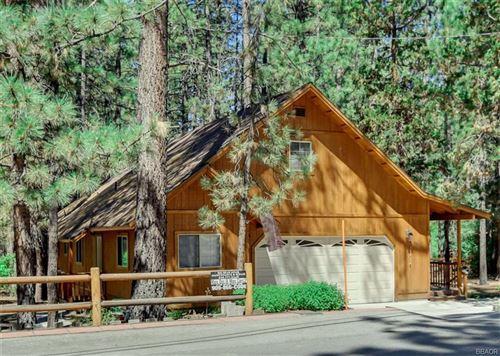 Photo of 392 Catalina Road, Big Bear Lake, CA 92315 (MLS # 32106555)