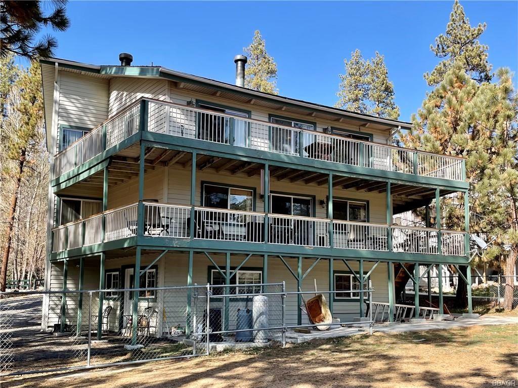 Photo of 39651 Flicker Road, Fawnskin, CA 92333 (MLS # 32101556)