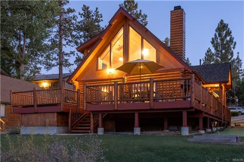 Photo of 40324 Lakeview Drive, Big Bear Lake, CA 92315 (MLS # 32002558)