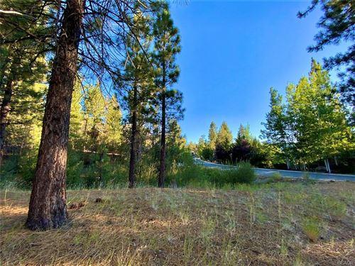Photo of 0 Castlewood Road, Big Bear Lake, CA 92315 (MLS # 32002570)