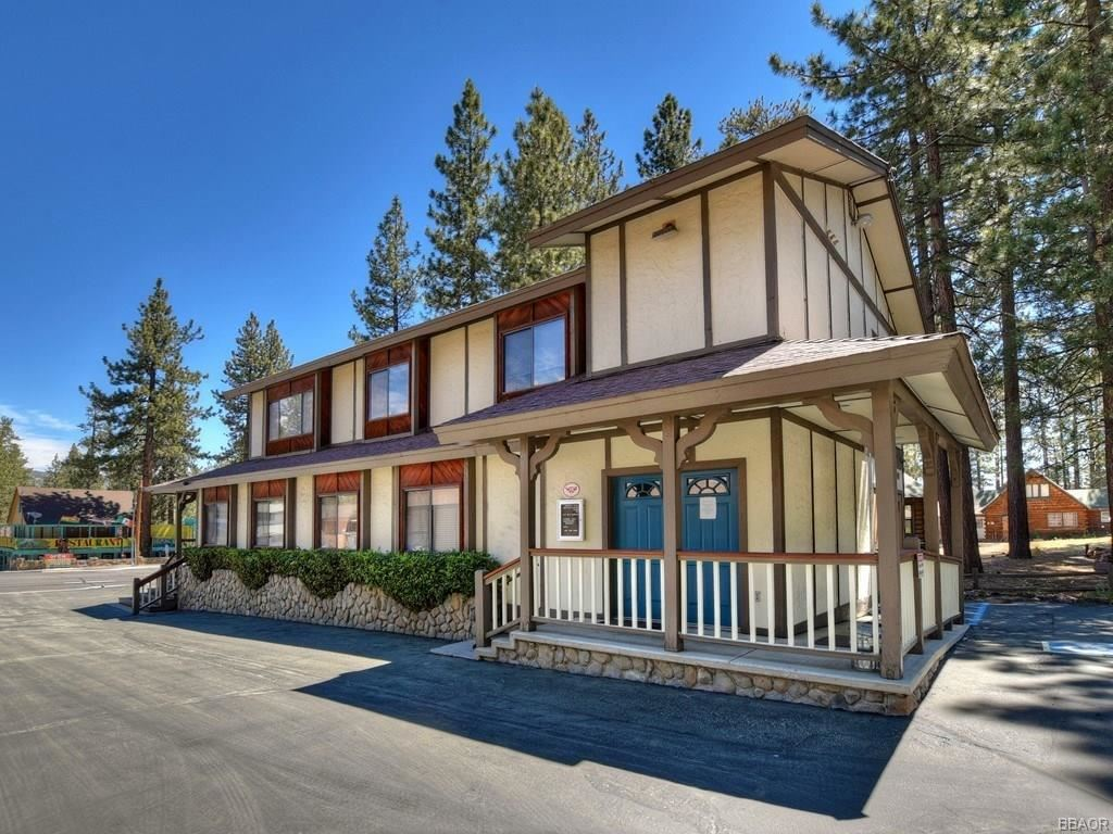 Photo of 41619 Big Bear Boulevard, Big Bear Lake, CA 92315 (MLS # 32000585)