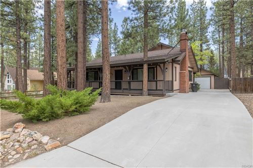 Photo of 428 Pineview Drive, Big Bear City, CA 92314 (MLS # 32106597)