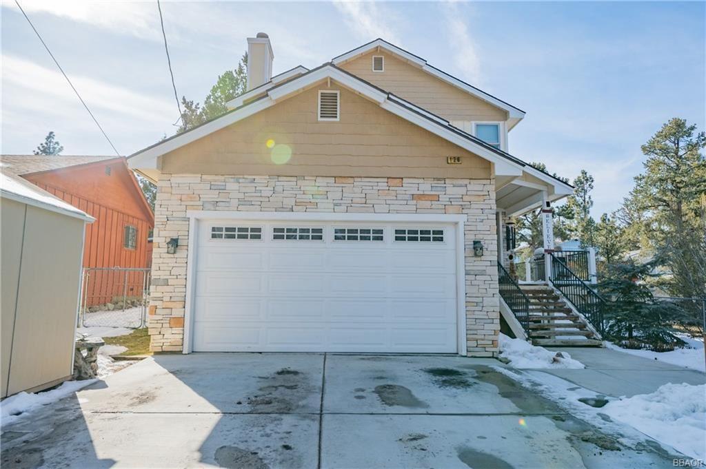 Photo of 126 Maple Lane, Sugarloaf, CA 92386 (MLS # 32101600)