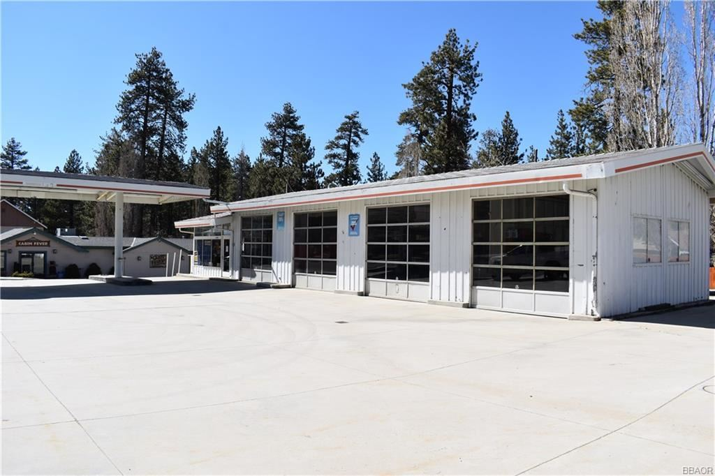 Photo of 41390 Big Bear Blvd Boulevard, Big Bear Lake, CA 92315 (MLS # 32000610)