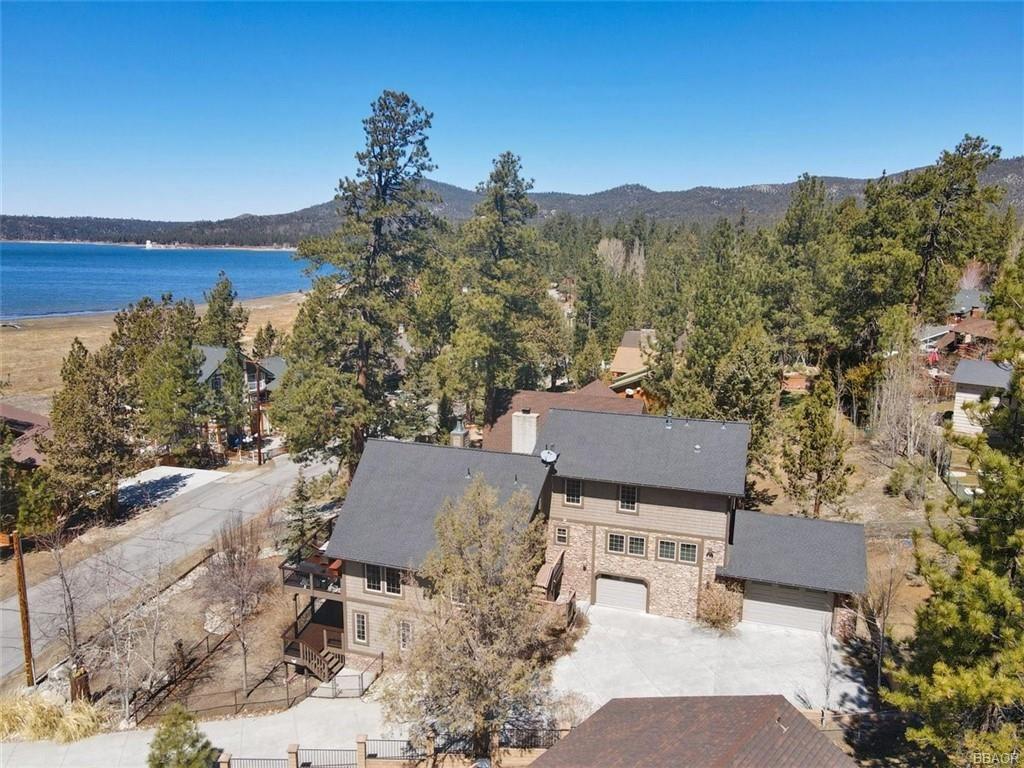 Photo of 223 Eagle Drive, Big Bear Lake, CA 92315 (MLS # 32101626)