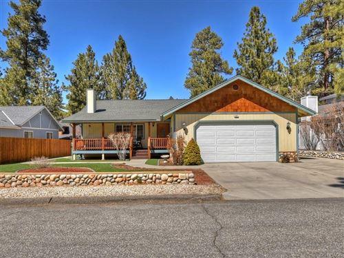 Photo of 537 E Fairway Boulevard, Big Bear City, CA 92314 (MLS # 32101629)