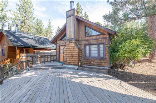 Photo of 42738 Cougar Road, Big Bear Lake, CA 92315 (MLS # 32002633)