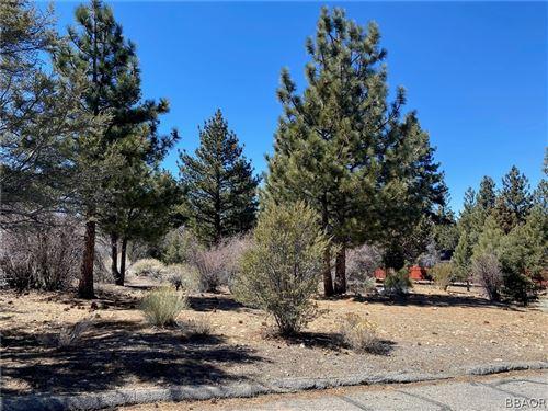 Photo of 1296 Pinewood Drive, Big Bear City, CA 92314 (MLS # 32101633)