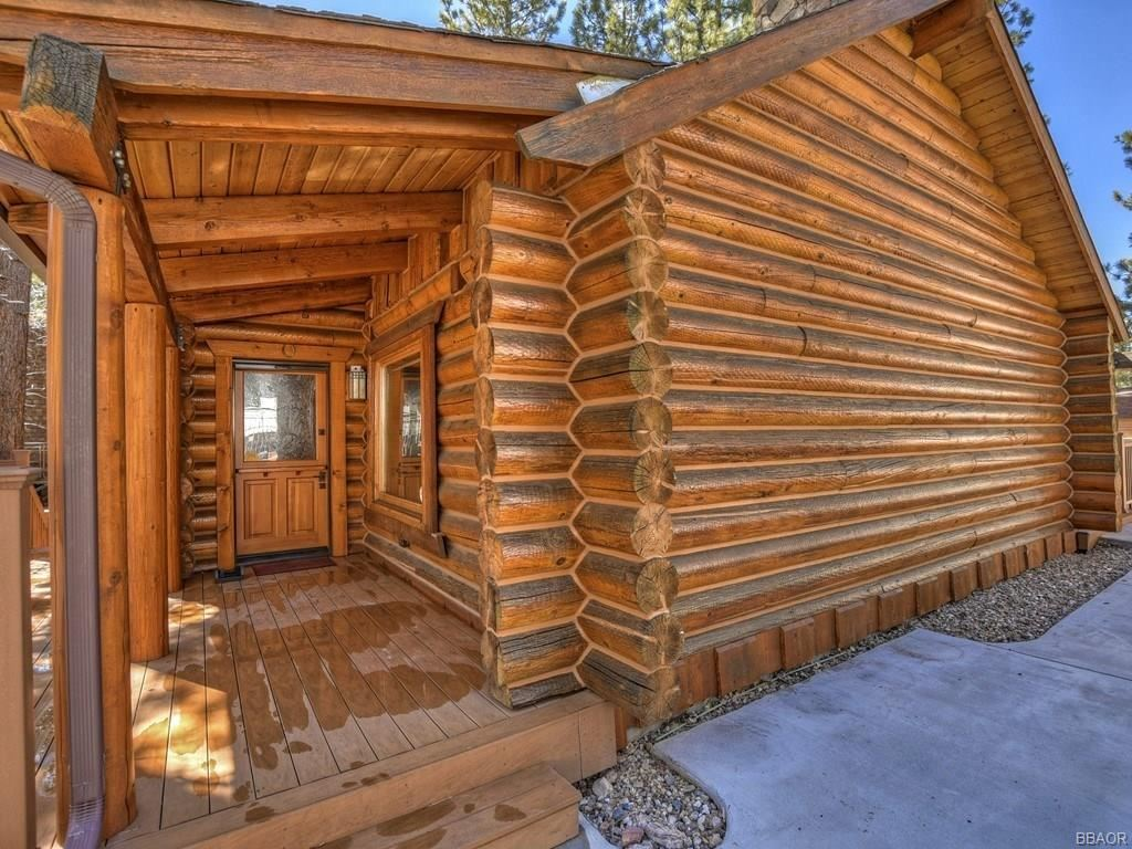 Photo of 42452 Tioga Drive, Big Bear Lake, CA 92315 (MLS # 32000639)