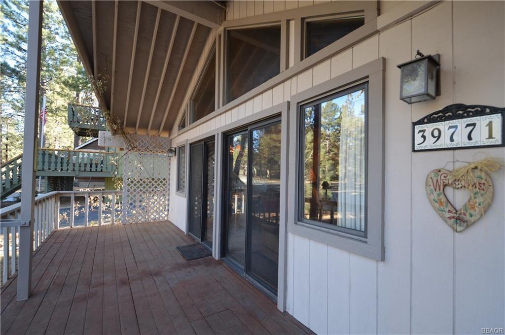 Photo of 39771 Forest Road, Big Bear Lake, CA 92315 (MLS # 32008639)