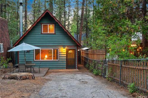 Photo of 42588 La Cerena Avenue, Big Bear Lake, CA 92315 (MLS # 32106641)