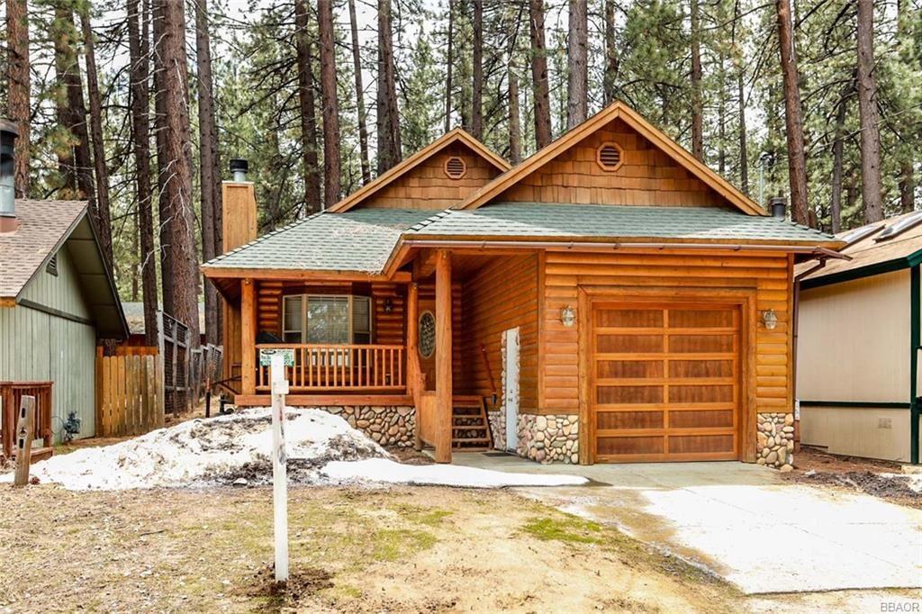 Photo of 42817 Cedar Avenue, Big Bear Lake, CA 92315 (MLS # 32000642)