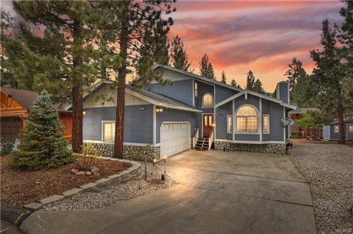 Photo of 737 E Mountain View Boulevard, Big Bear City, CA 92314 (MLS # 32106646)