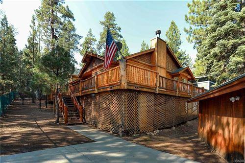Photo of 41497 Oak Street, Big Bear Lake, CA 92315 (MLS # 32002650)