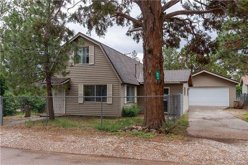 Photo of 866 Lakewood Drive, Big Bear City, CA 92314 (MLS # 32008652)