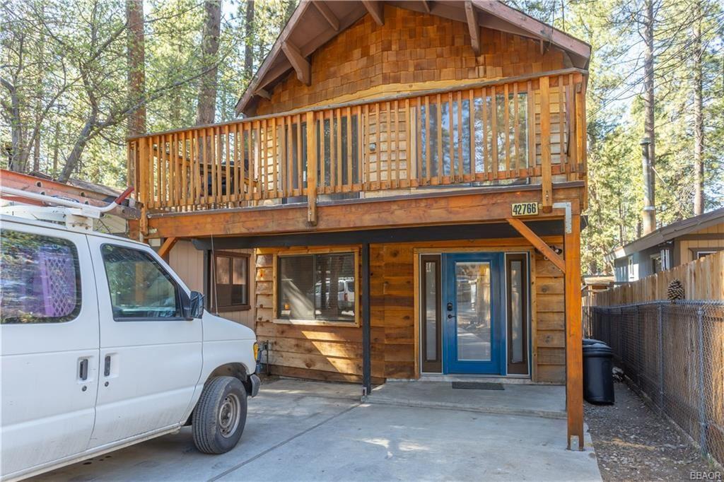 Photo of 42766 La Cerena Avenue, Big Bear Lake, CA 92315 (MLS # 32000660)