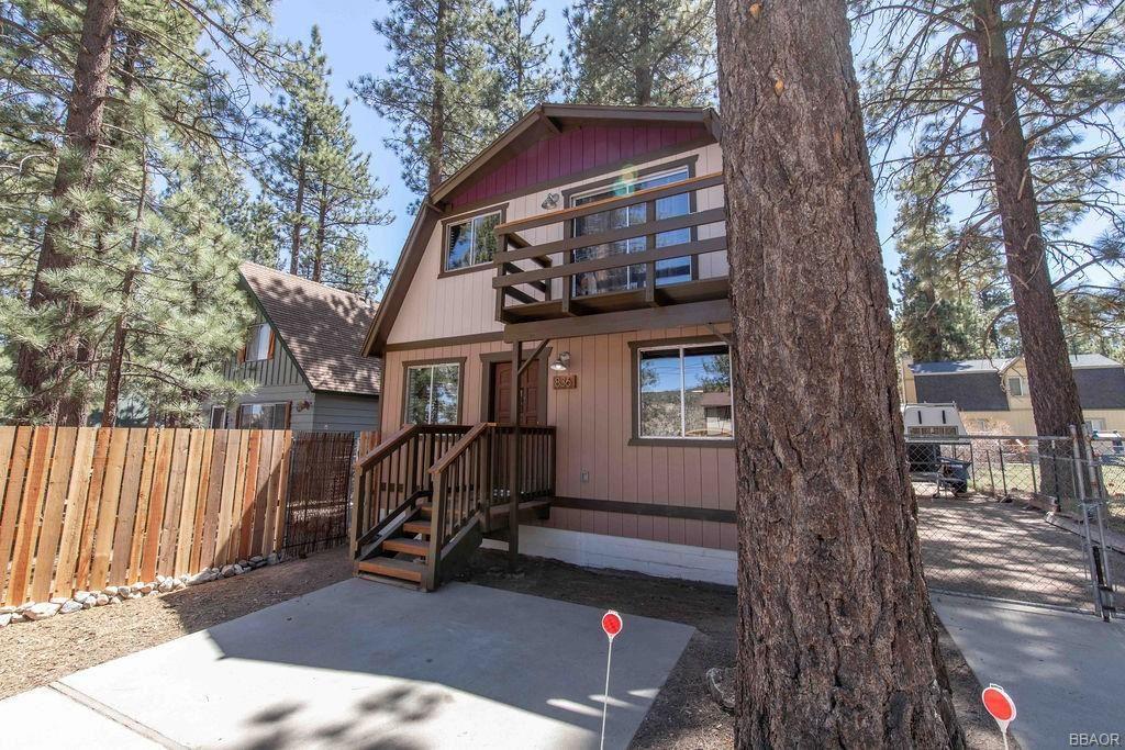 Photo of 836 E Mountain View Boulevard, Big Bear City, CA 92314 (MLS # 32102667)